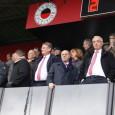 Al sinds 1989 is de macht bij Ajax in handen van een kleine, hechte groep bestuursleden die elkaar belangrijke posities binnen de club toeschuiven. De fluwelen revolutie van Johan Cruijff […]
