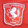 In zijn eerste persconferentie voor FC Twente liet Co Adriaanse er geen misverstand over bestaan. Hij is terug in Nederland, en iedereen mag het weten. De excentrieke Amsterdammer voorzag de […]