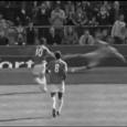 Soms heeft een voetbalwedstrijd alles wat het nodig heeft. Spanning, kansen aan beide kanten, doelpunten en een sensationele ontknoping. Blackburn Rovers-Everton was vanmiddag zo'n wedstrijd. Hoewel het niveau van beide […]