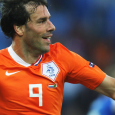 De beste vaderlandse spits van de afgelopen tien jaar stopt met voetballen. Ruud van Nistelrooij hangt zijn schoenen definitief aan de wilgen. Nederland verliest hiermee een rasvoetballer, een sportman in […]