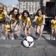 Tijdens dit EK in Polen en Oekraïne verblijven slechts drie teams in het laatstgenoemde land. Dat zijn het thuisland zelf, Frankrijk, en Zweden. De rest, alle dertien, zoeken hun heil […]