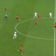 Er heerst een hardnekkig idee dat veel balbezit gelijk staat aan aanvallend voetbal. Het Spaanse nationale elftal onder leiding van Vicente Del Bosque bewijst echter regelmatig het tegendeel. Voor Spanje […]