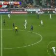 Het stoom kwam nog steeds uit de oren bij Guus Hiddink toen hij na de 2-1 nederlaag bij Tsjechië aanschoof bij Jack van Gelder. Een individuele fout van Daryl Janmaat […]